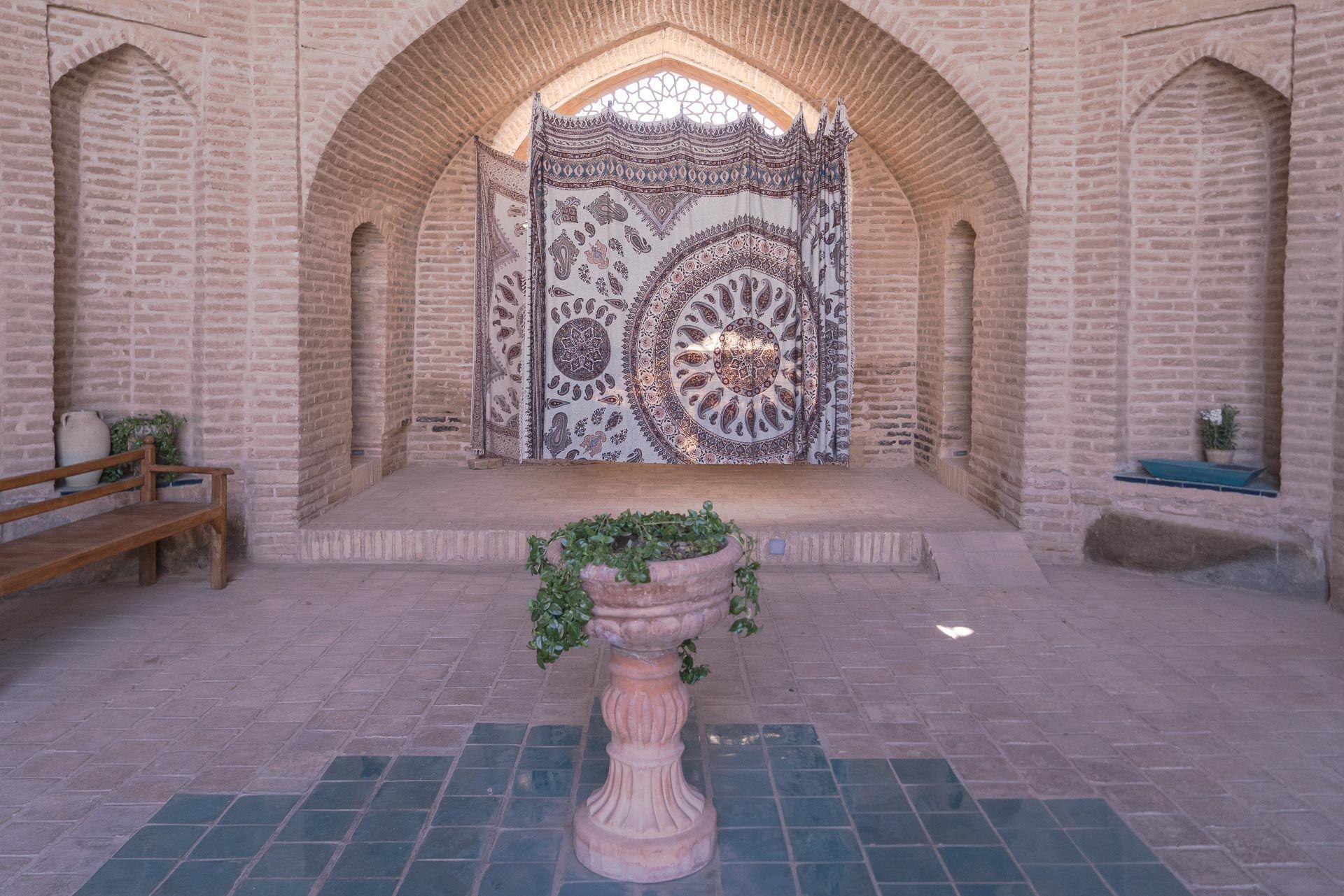 Lesvoyageuses-Iran-Desert-Central-Caravanserail-Kuhpa-3