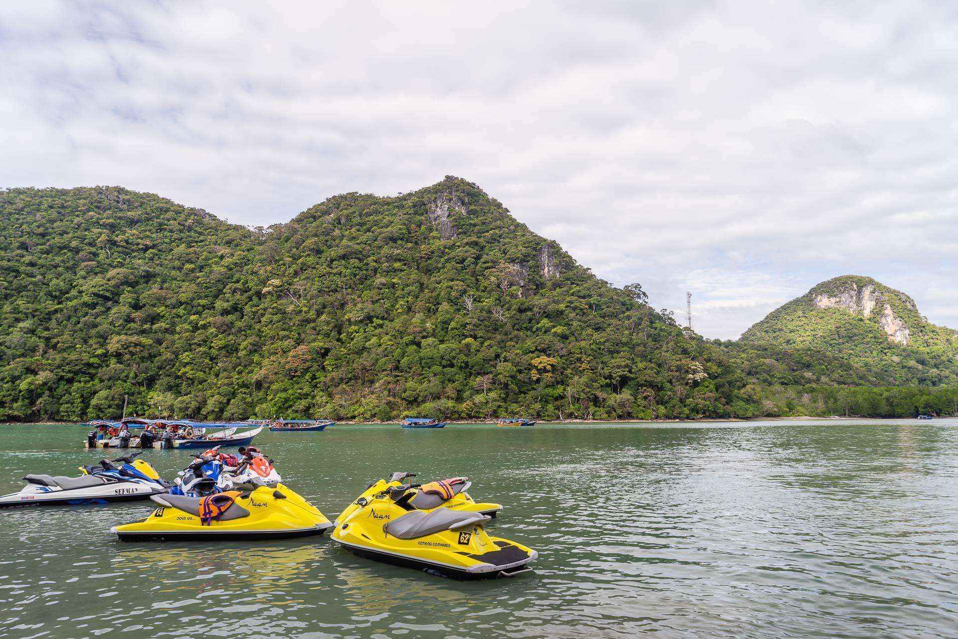 Lesvoyageuses-Malaisie-Langkawi-archipel-jet-ski-4