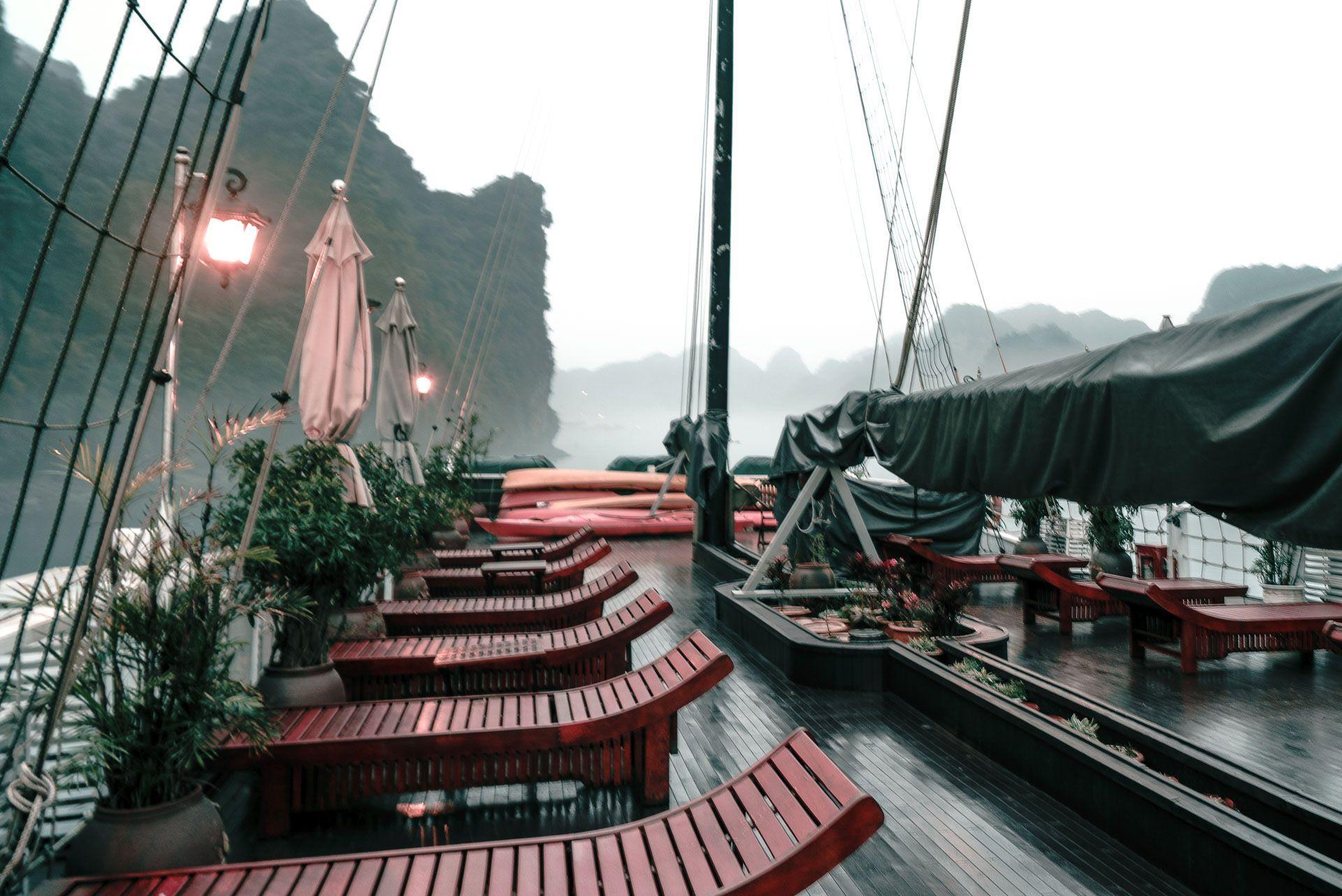 lesvoyageuses-croisiere-a-ha-long-bay-vietnam-35