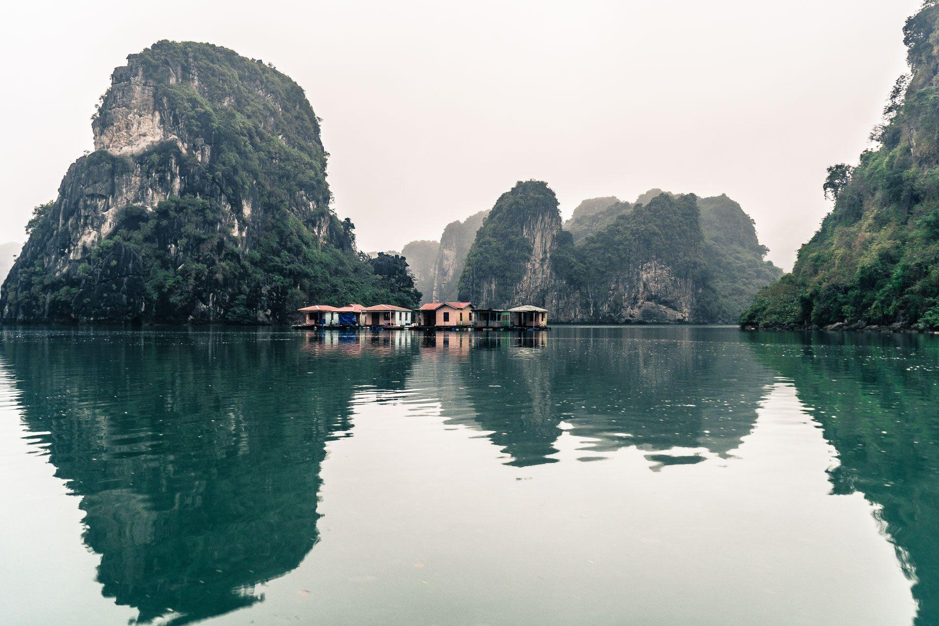 lesvoyageuses-croisiere-a-ha-long-bay-vietnam-45
