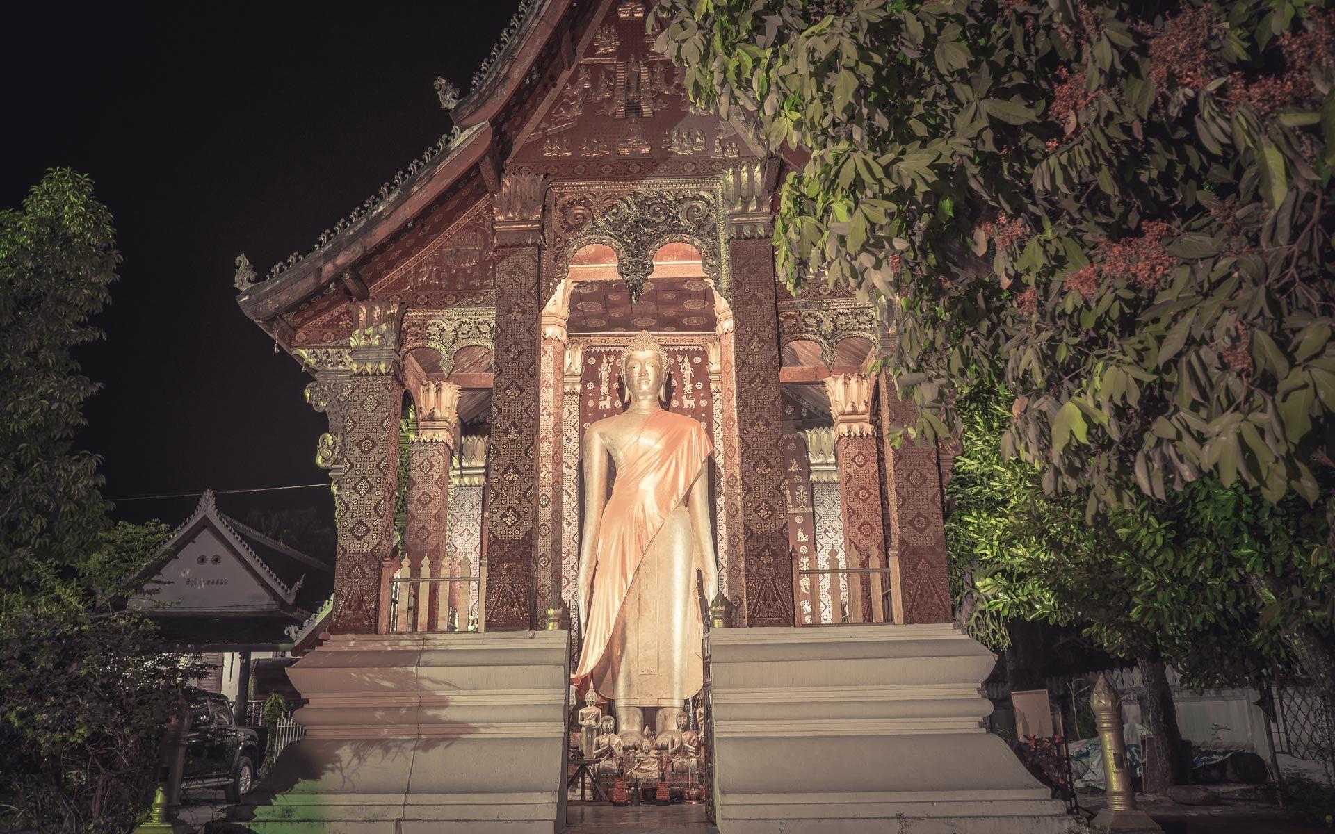 Lesvoyageuses-voyage-laos-luang-prabang-ceremonie-offrandes-1