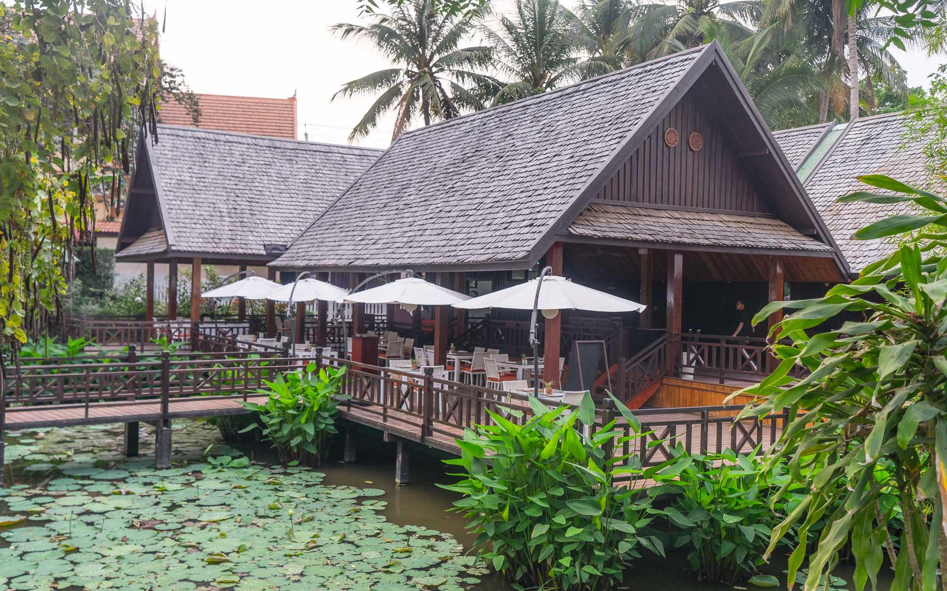 Lesvoyageuses-voyage-laos-luang-prabang-hotel-parasol-blanc-16