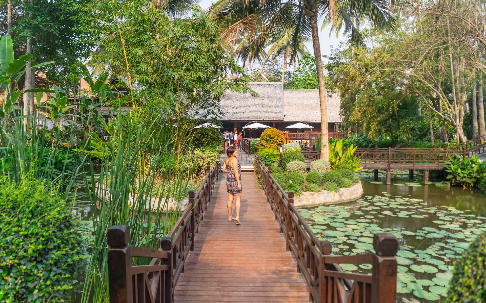 Lesvoyageuses-voyage-laos-luang-prabang-hotel-parasol-blanc-2