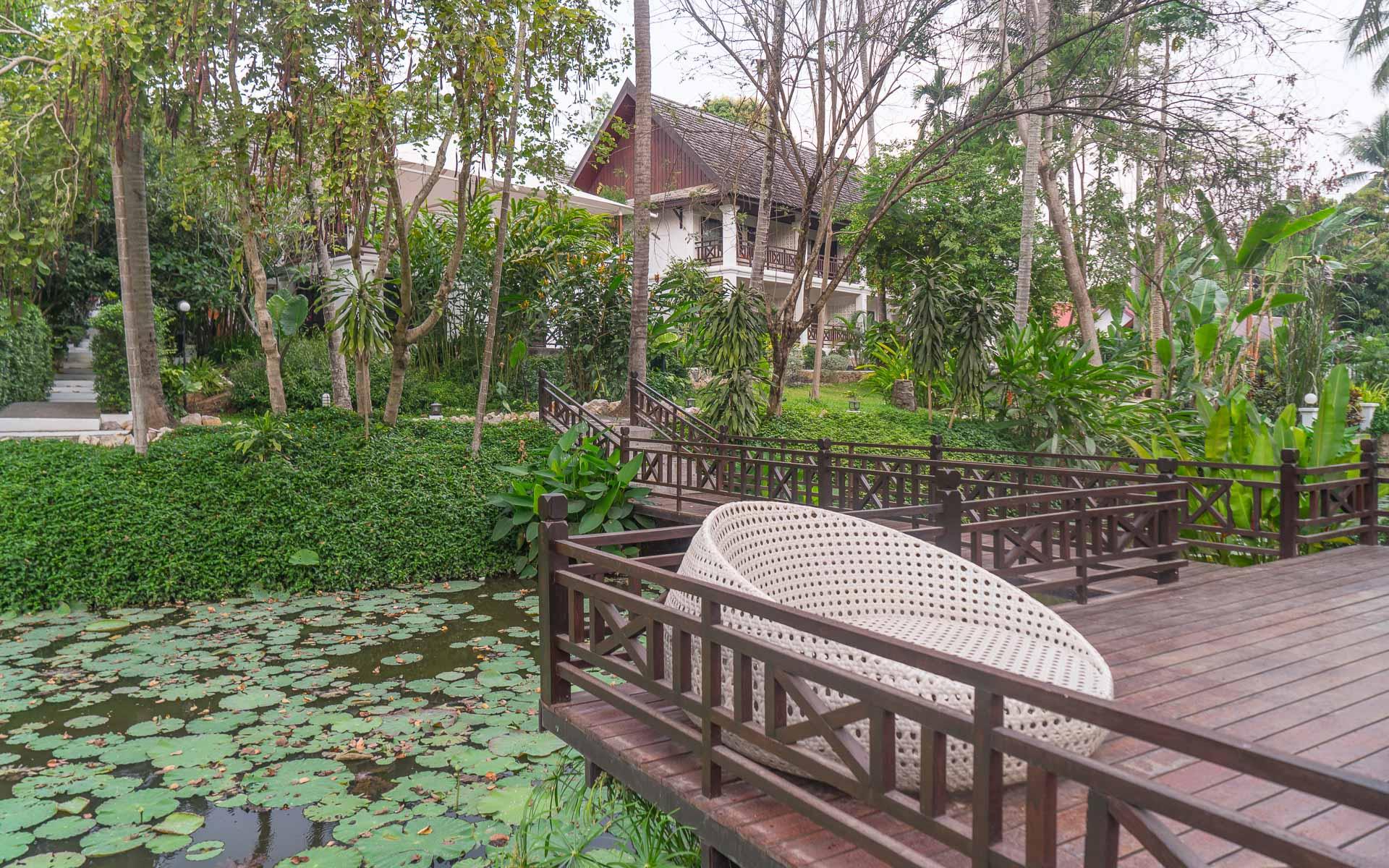 Lesvoyageuses-voyage-laos-luang-prabang-hotel-parasol-blanc-20
