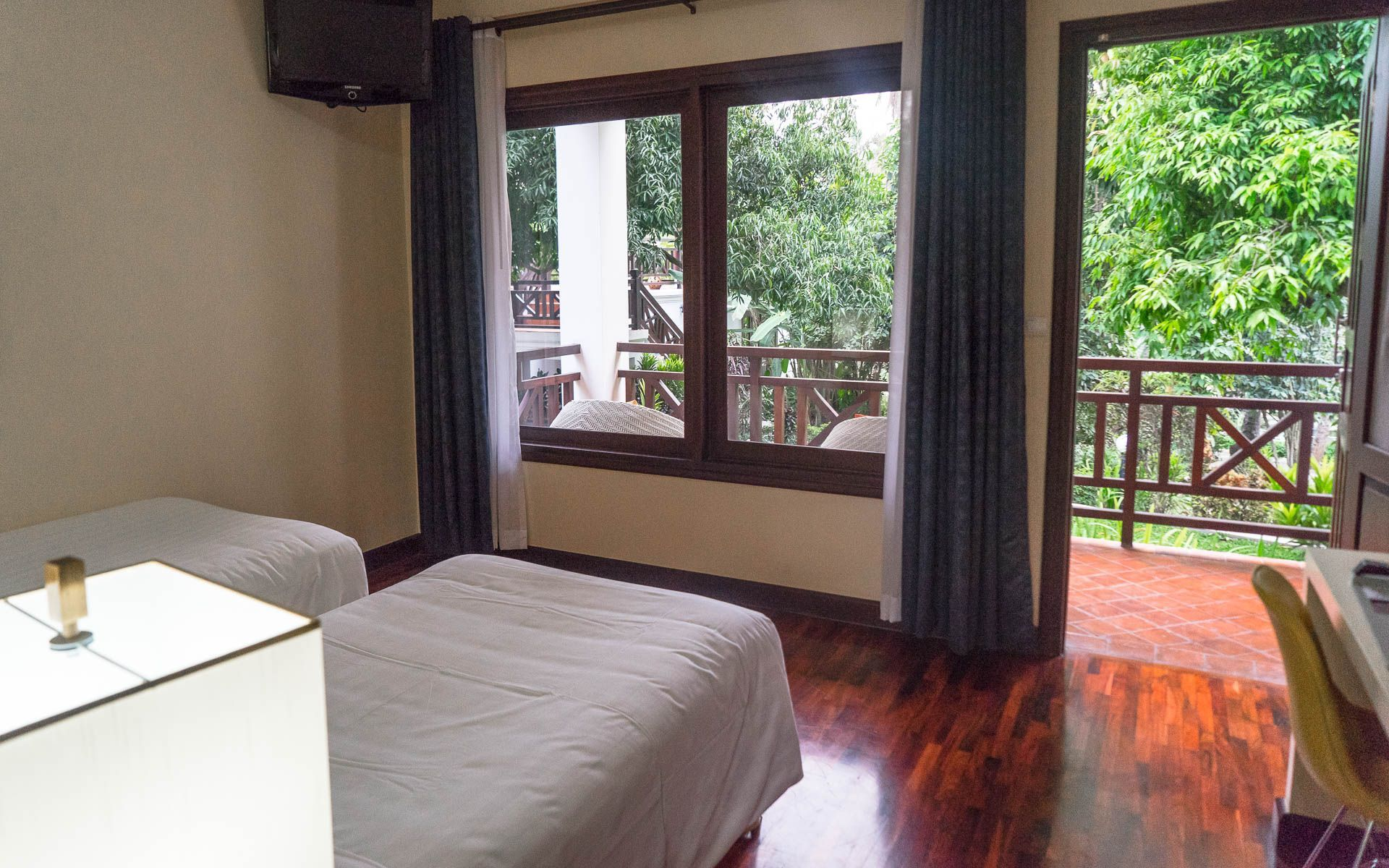 Lesvoyageuses-voyage-laos-luang-prabang-hotel-parasol-blanc-7