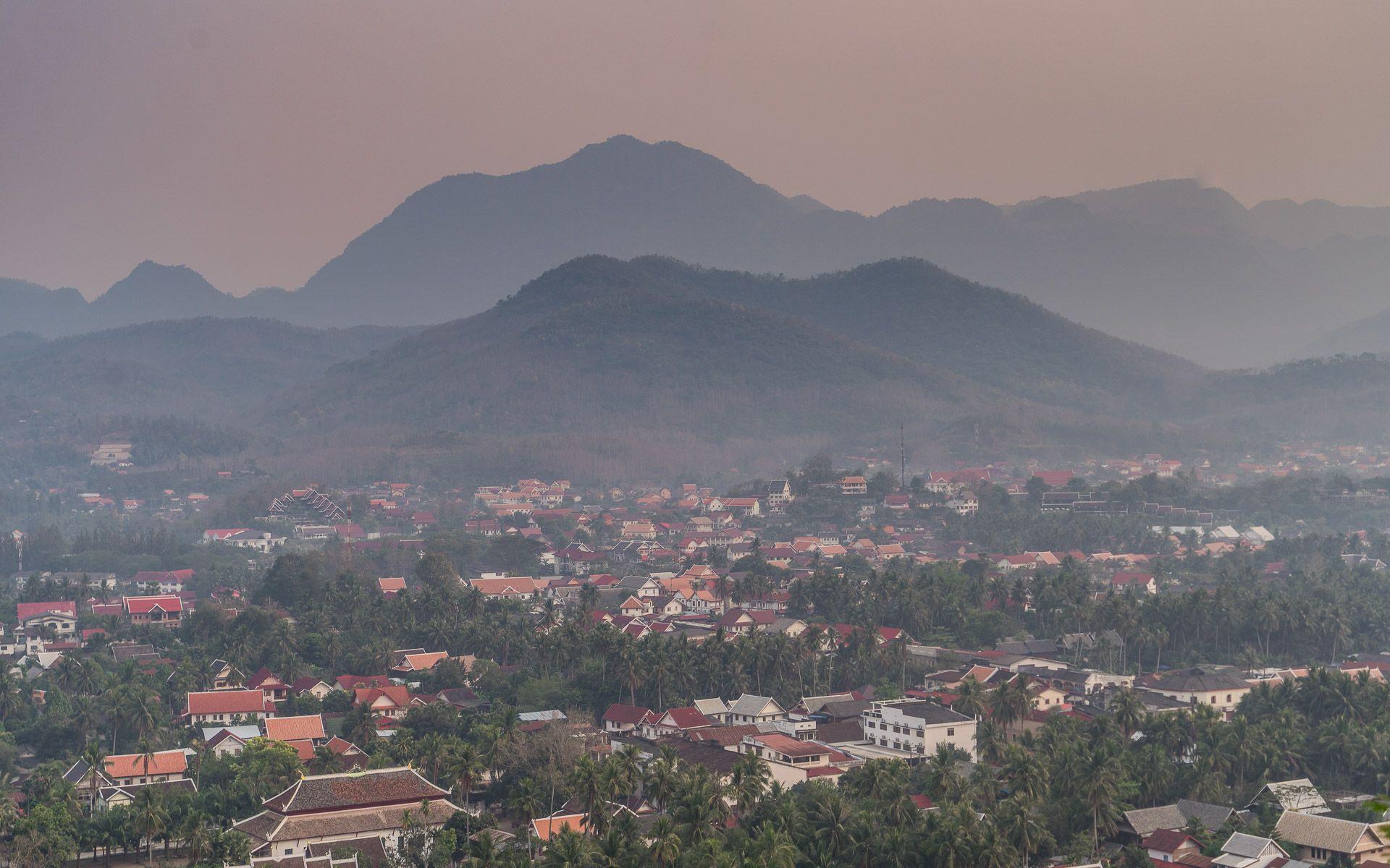 Lesvoyageuses-voyager-au-laos-luang-prabang-mont-phousi-1