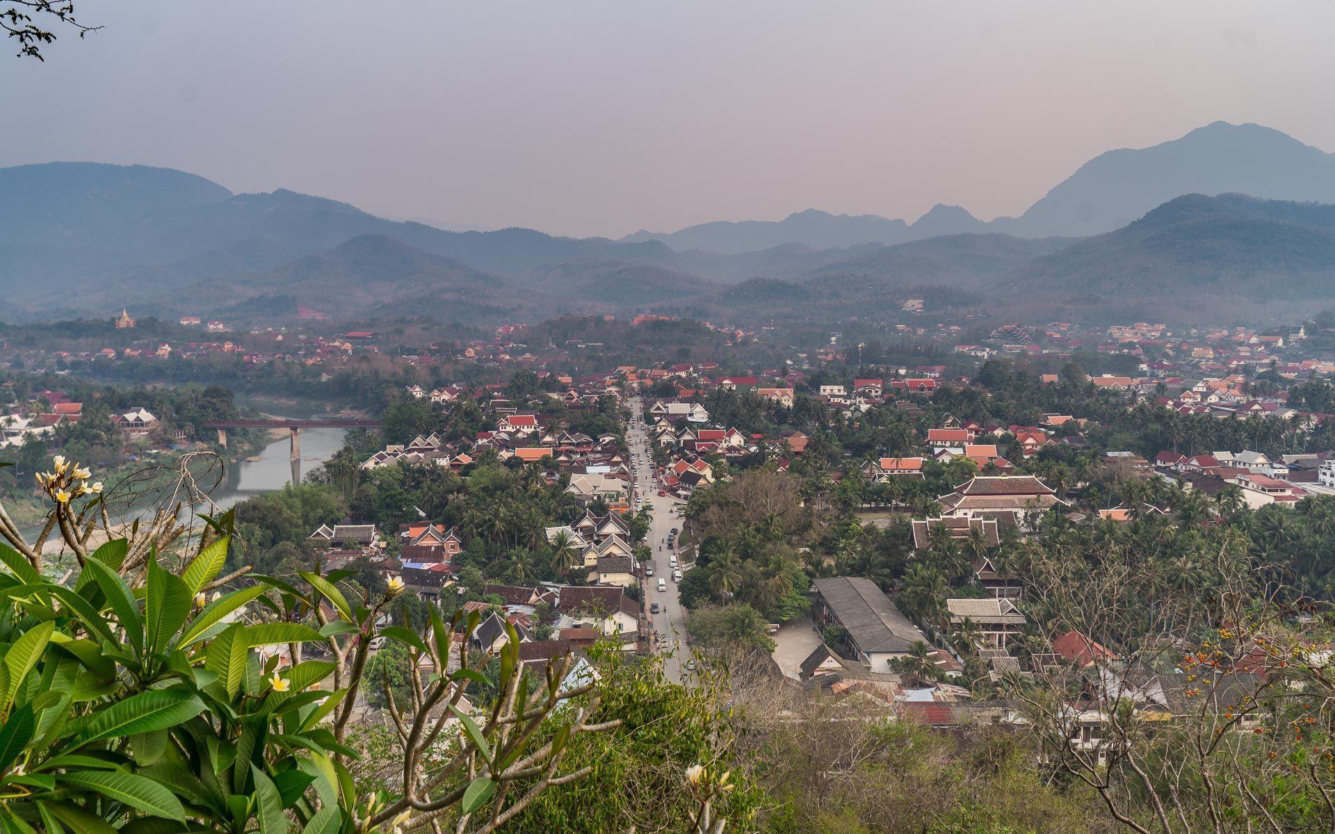 Lesvoyageuses-voyager-au-laos-luang-prabang-mont-phousi-3