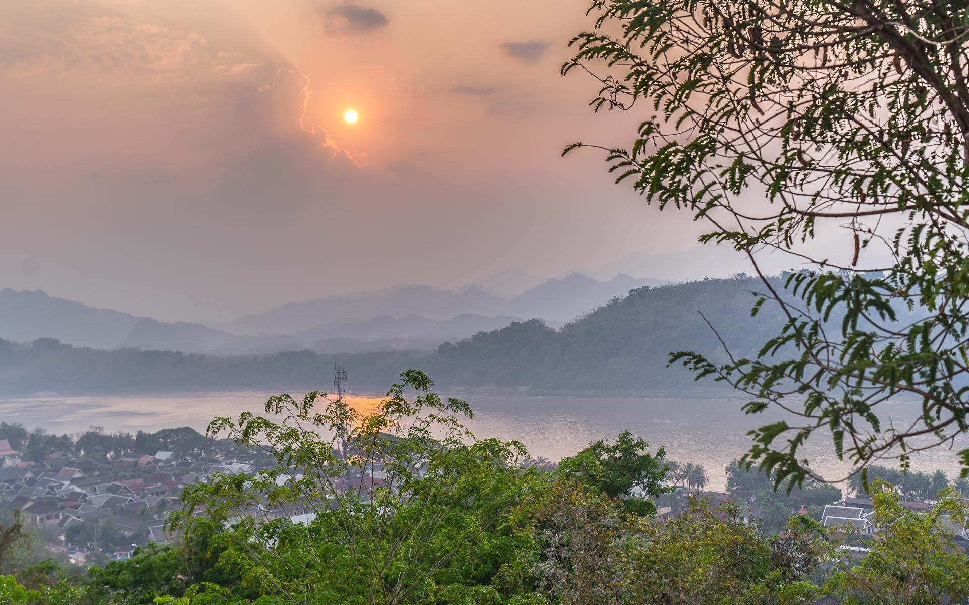 Lesvoyageuses-voyager-au-laos-luang-prabang-mont-phousi-4