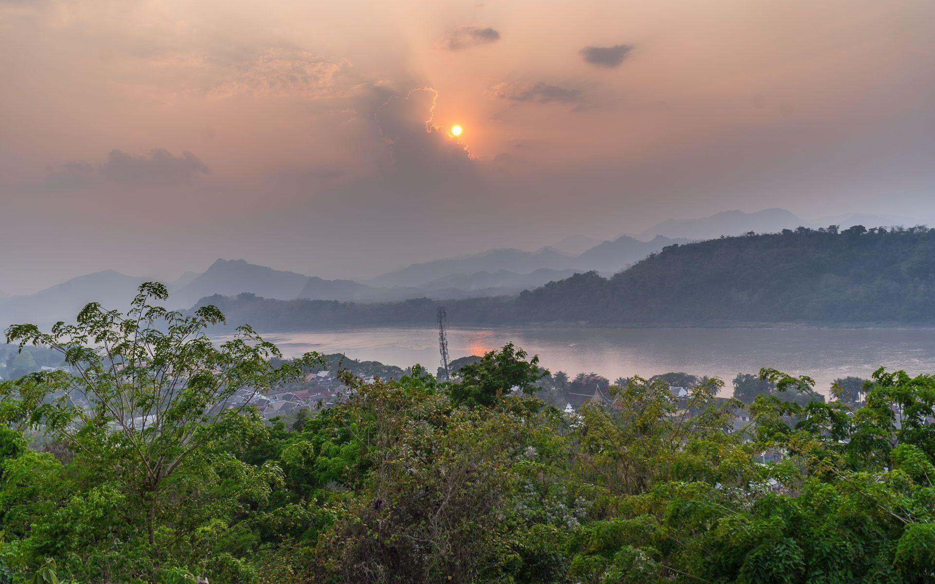 Lesvoyageuses-voyager-au-laos-luang-prabang-mont-phousi-5