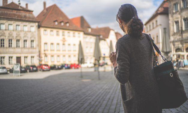Étudiante en Europe ? Voici 6 astuces clés pour voyager plus et pas cher